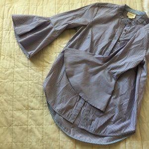 Anthropologie Tops - Anthrologie blouse with peplum sleeves
